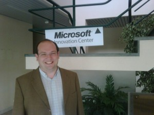 David in front of the MS logo
